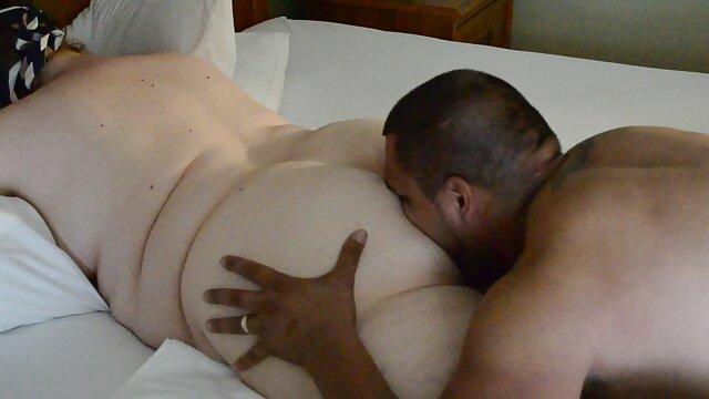 زن خانه دار سفید توسط دو مرد سیاه فیلم سوپر ایرانی بکن پوست لعنتی