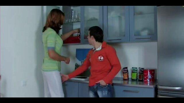 زن و شوهر برهنه در دهان آفتابی رابطه دانلود فیلم سوپر بکن بکن جنسی برقرار می کنند